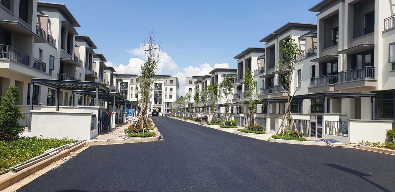 Bán gấp nhà phố SwanPark liền kề quận 2, xd hoàn thiện 1 trệt 2 lầu