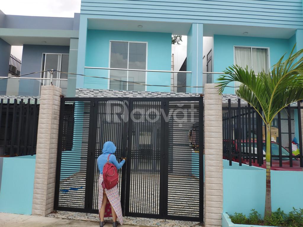 Nhà mới xây 100m2 Đường Đinh Đức Thiện 900tr/sổ hồng riêng