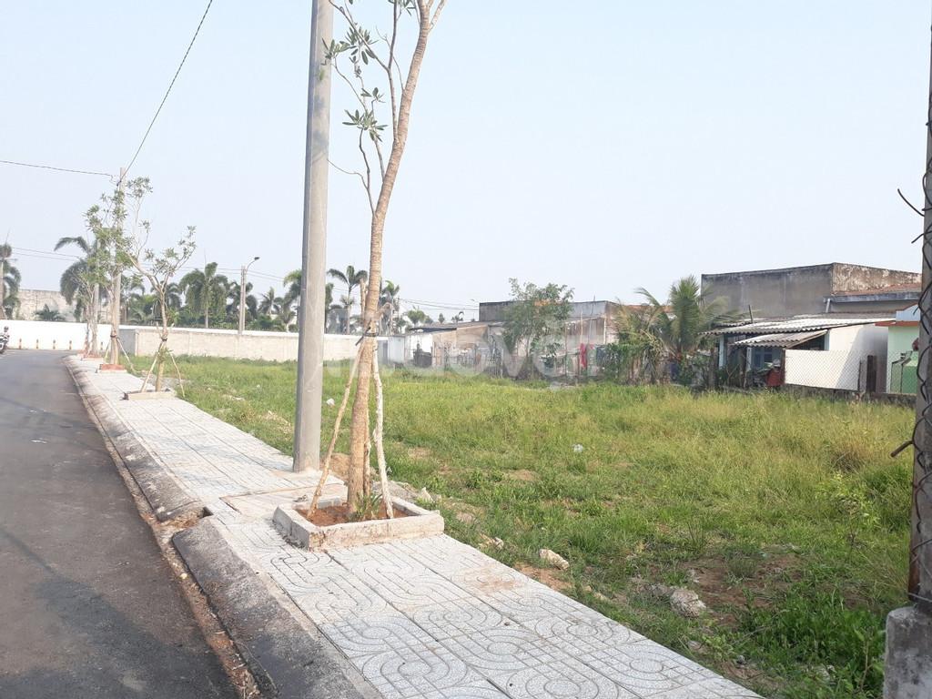 Bán lô đất KDC Phúc Giang, mặt tiền Phan Văn Mảng, giá 650tr