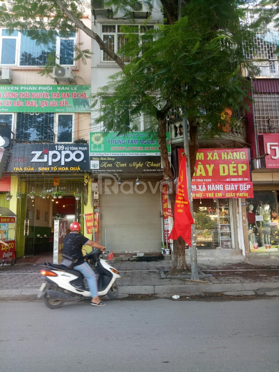 Nhà mặt phố Vũ Tông Phan giá 5 tỷ9.