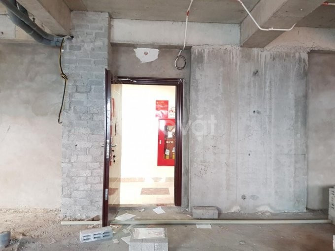 Gia đình bán chung cư Nghĩa Đô, 74m2, nhà thô, giá 2 tỷ 250 bao tên.