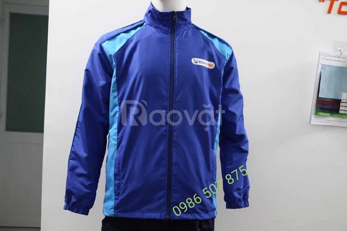 Xưởng may áo khoác giá rẻ TPHCM