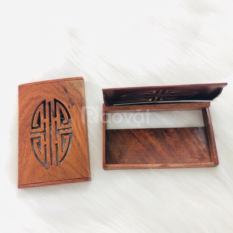 Hộp đựng danh thiếp bằng gỗ NC092