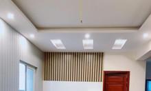 Chuyển nhượng căn hộ 2 phòng ngủ 2wc trần cao, thoáng gió và ánh sáng.