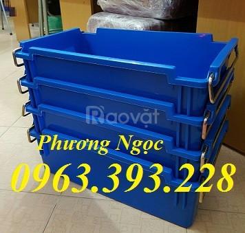 Thùng nhựa đặc A2 có quai xách, hộp nhựa có quai sắt, hộp nhựa