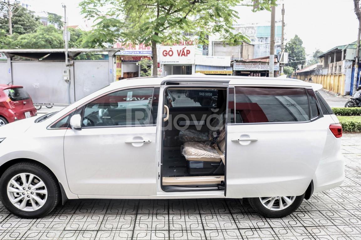 Kia Sedona giá tốt, thêm quà tặng, trả trước 305 triệu nhận xe