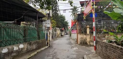 Nhà cần bán gấp lô đất gần chợ Phúc Lợi Tổ 10 phúc lợi Long Biên