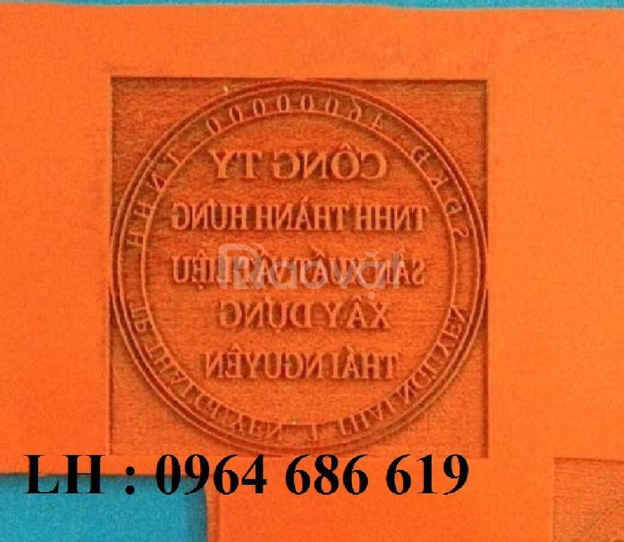 Máy khắc dấu mini 3020, máy laser 3020 khắc mica giá rẻ Hà Nội