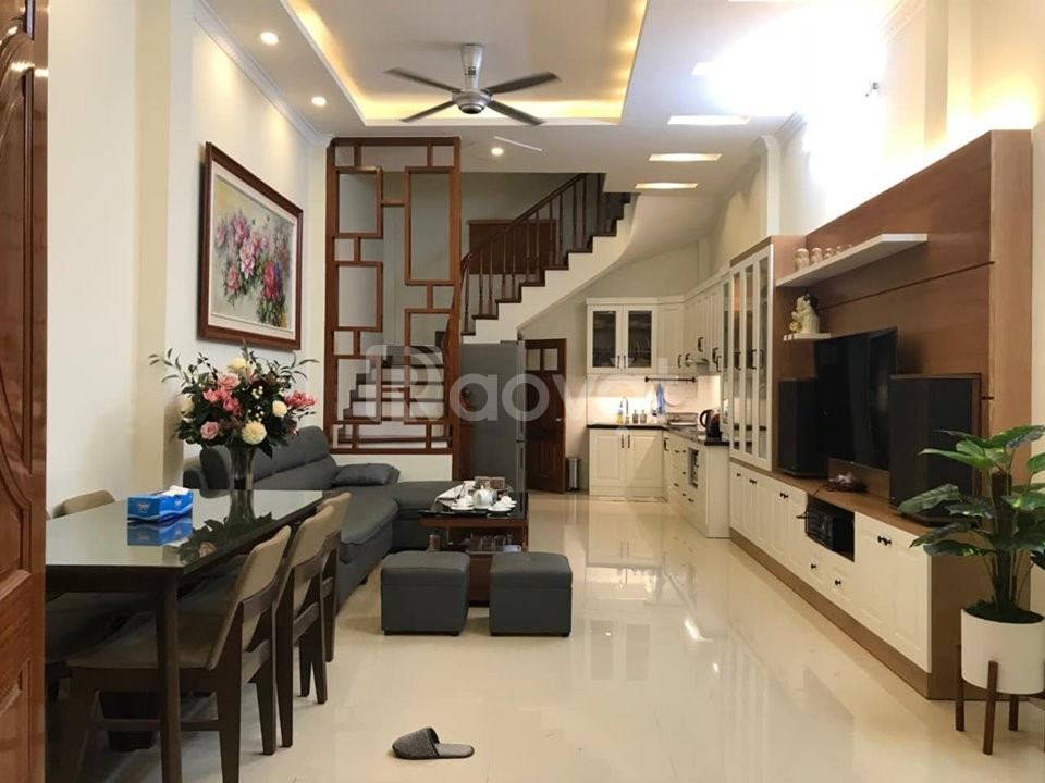 Bán gấp nhà đẹp phố Thái Hà 4 tầng 40m2 kinh doanh + gara ôtô