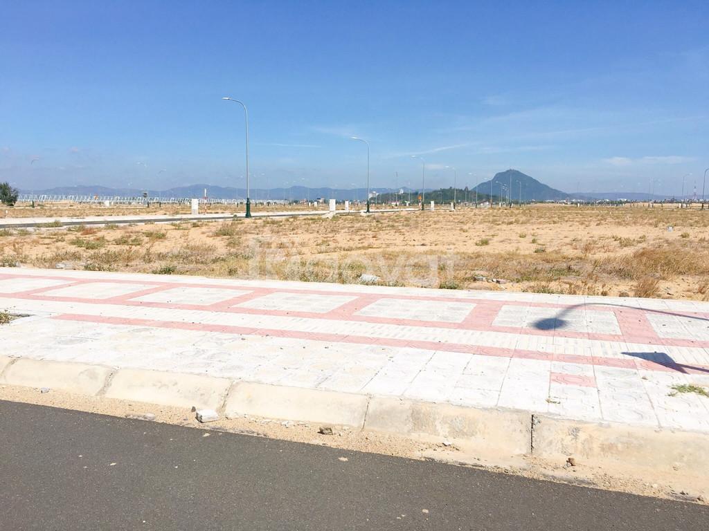 Chính chủ bán đất trung tâm TP gần biển, gần sân bay bên FLC