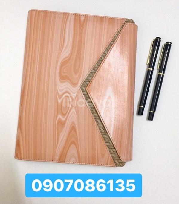 Sản xuất in ấn thiết kế sổ tay, sổ da theo yêu cầu
