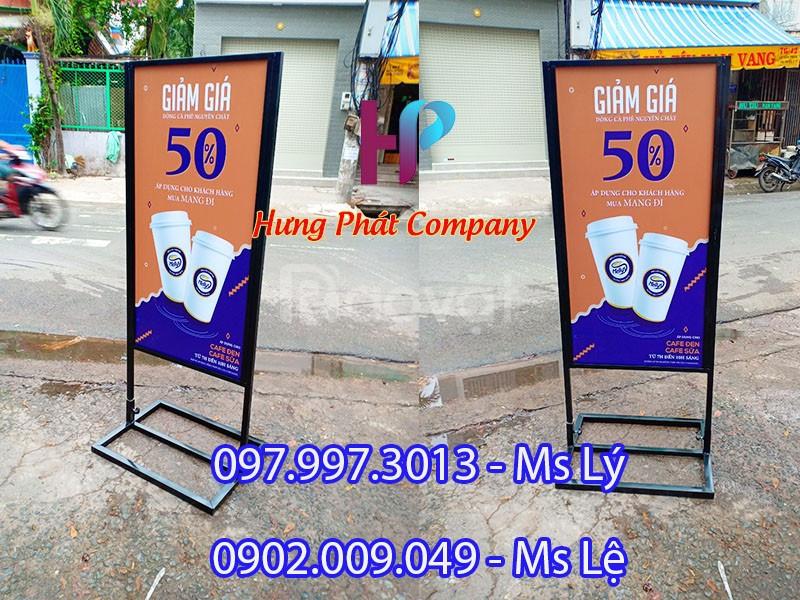 Mẫu khung sắt quảng cáo đẹp của Hưng Phát