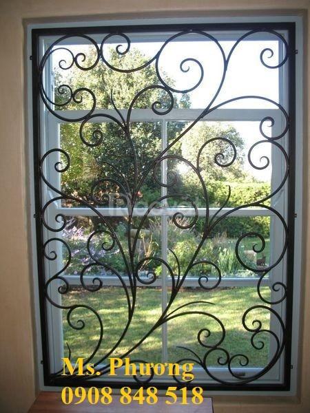 Khung bảo vệ cửa sổ trang trí nghệ thuật với hoa văn sắt uốn tinh xảo (ảnh 5)