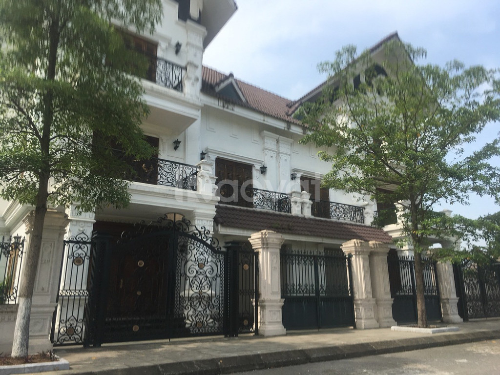 Bán đất nê Hòa Lạc có sổ đỏ - gần sân golf Đồng Mô