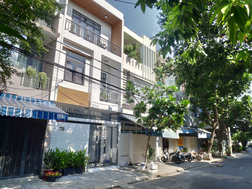 Bán nhà phố ở 75 Lê Đại, Đà Nẵng - nội thất đầy đủ, 242m2 (ảnh 1)