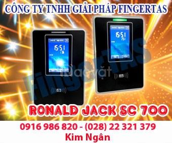 Máy chấm công thẻ cảm ứng SC700 màn hình cảm ứng