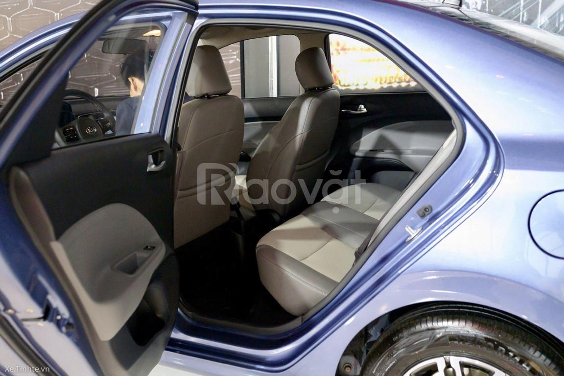 Tháng 10 Kia Soluto giá tốt, ưu đãi tiền mặt, trả trước 110 triệu