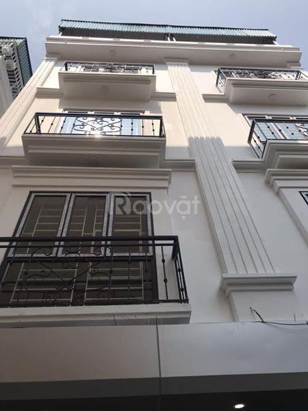 Bán nhà cũ Nguyễn Thái Học Chợ Vồ Hà Đông, 40m2, 4T, 4PN, ô tô đỗ cửa