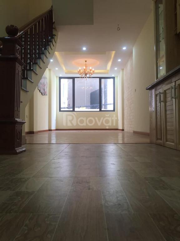 Bán gấp nhà mới xây, hiện đại phố Khương Hạ 46m*5,MT 4.5m ôtô vào nhà
