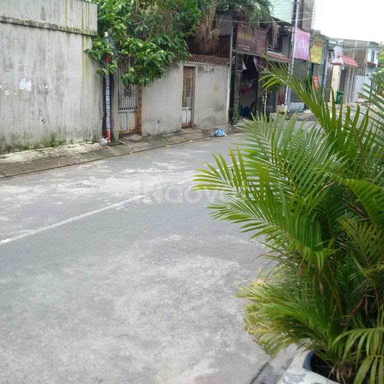 Cho thuê nhà nguyên căn đường Lã Xuân Oai, Q9, tiện KD, giá tốt