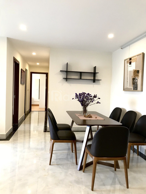 Cho thuê căn hộ 2pn, full NT ở cc Lạc Hồng Westlake