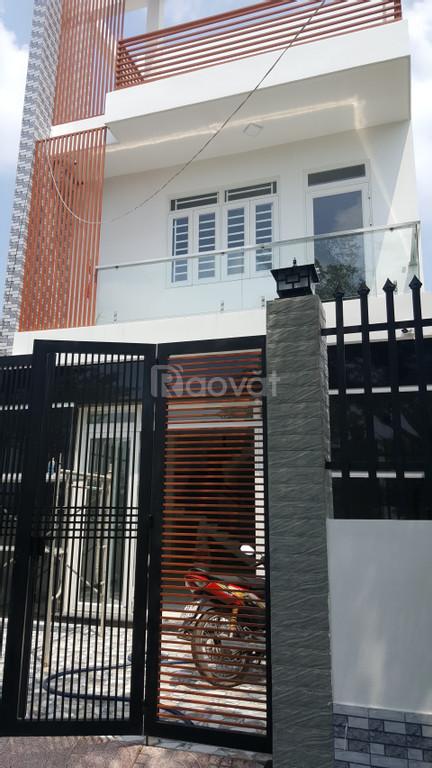 Nhà 1T2L 100m2, mặt tiền đường lớn, gần chợ Bình Chánh