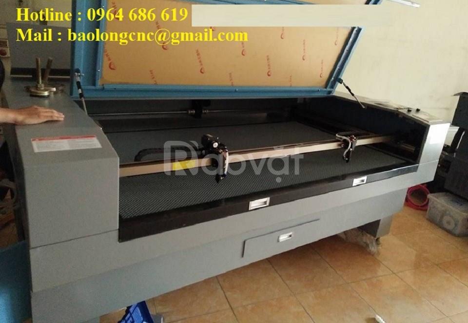 Máy laser 1610 cắt vải, máy laser cắt con giống ngành may