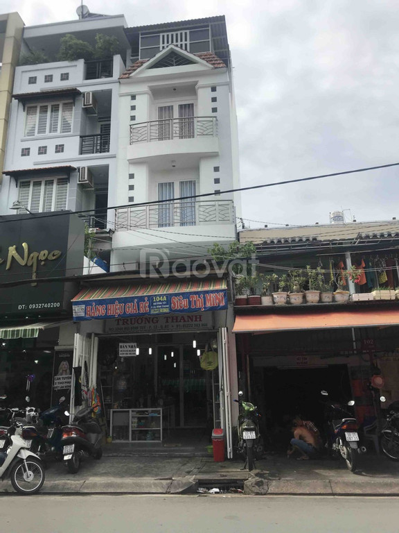 Bán nhà 2 mặt tiền phố Hai Bà Trưng, P. Tân Định, Q1. DT: 4.5x15.5m