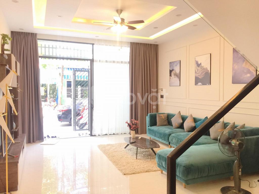 Nhà mặt tiền đường 7m5 Full nội thất