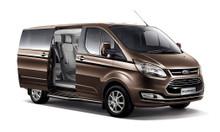 Ford Tourneo giao ngay giá cạnh tranh