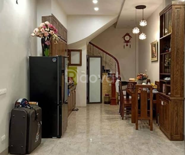 Bán nhà đẹp 28m*5T 2 mặt thoáng, ngõ rộng cách phố Lê Thanh Nghị 30m giá 2.5 tỷ