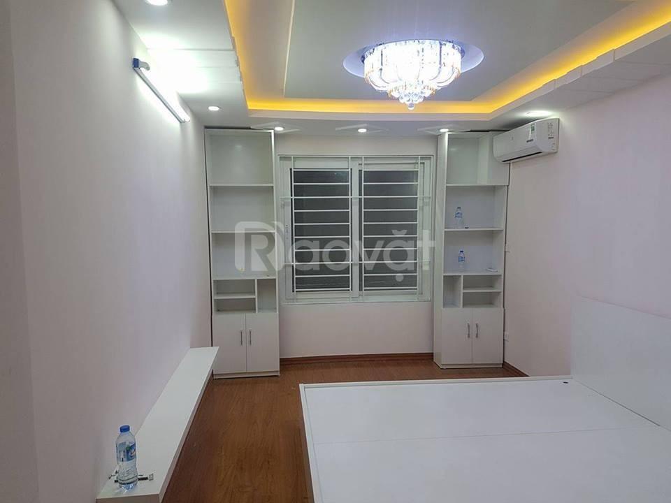 Bán nhà mới Hoàng Văn Thái 50m2, 5 tầng, ô tô tránh - gara ô tô.