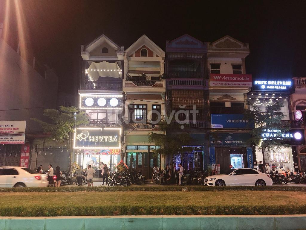 Bán nhà 3 tầng mặt tiền đường Đinh Tiên Hoàng, TP. Ninh Bình, tiện KD