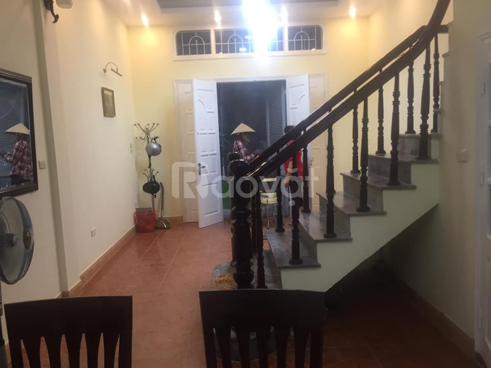 Nhà phân lô ngõ ô tô Nguyễn Chí Thanh, Đống Đa, 4 tầng, 35m2