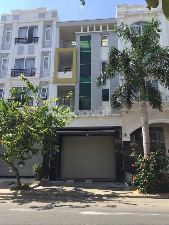 Cần bán nhà phố khu Hưng Gia, Phú Mỹ Hưng 5PN, nhà đẹp
