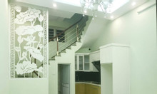 Bán gấp  nhà mặt ngõ Thịnh Quang 35m2, nhà rất mới, MT 4m giá 2.85 tỷ.