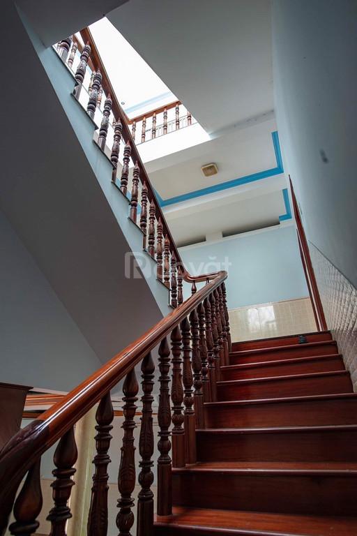 Cho thuê biệt thự nguyên căn đường 20, Bình Tân, full NT, giá tốt