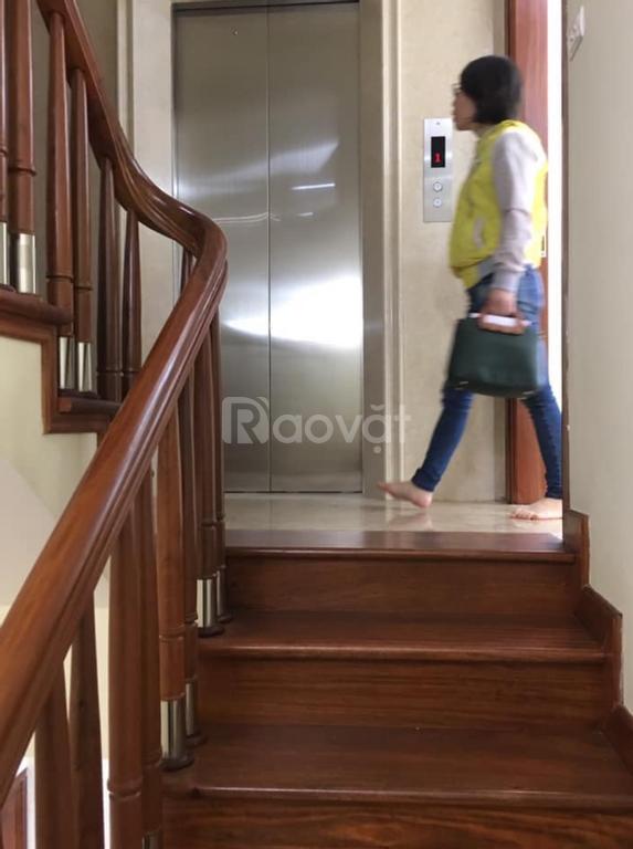 Nhà đẹp Hoàng Cầu - Trần Quang Diệu - kinh doanh sầm uất - 7 tầng thang máy - ô tô phân lô