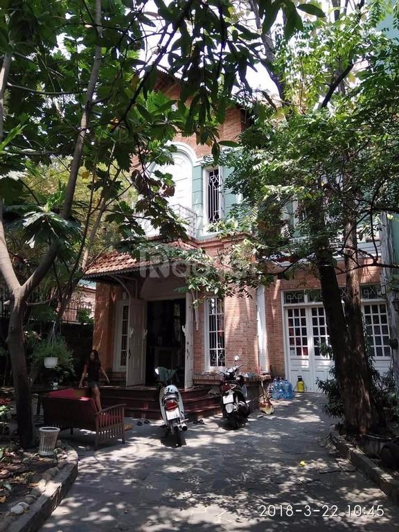 Cần bán gấp căn nhà mặt tiền đường gần Lê Quý Đôn P7 Quận 3, giá 70tỷ