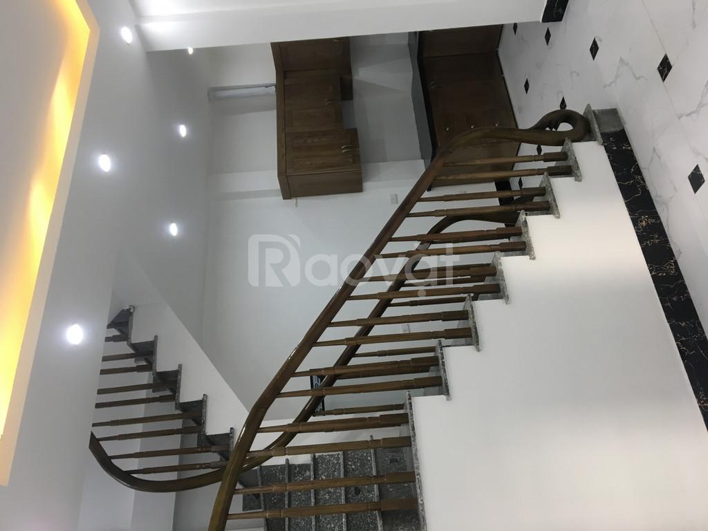 Bán nhà mới xây 5 tầng và 6 tầng Phố Kim Đồng – Giáp Bát giá 2,75 tỷ