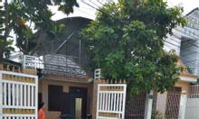Bán nhà đường Bình Chuẩn 3, Thuận An, nội thất cửa gỗ căm xe, giá tốt