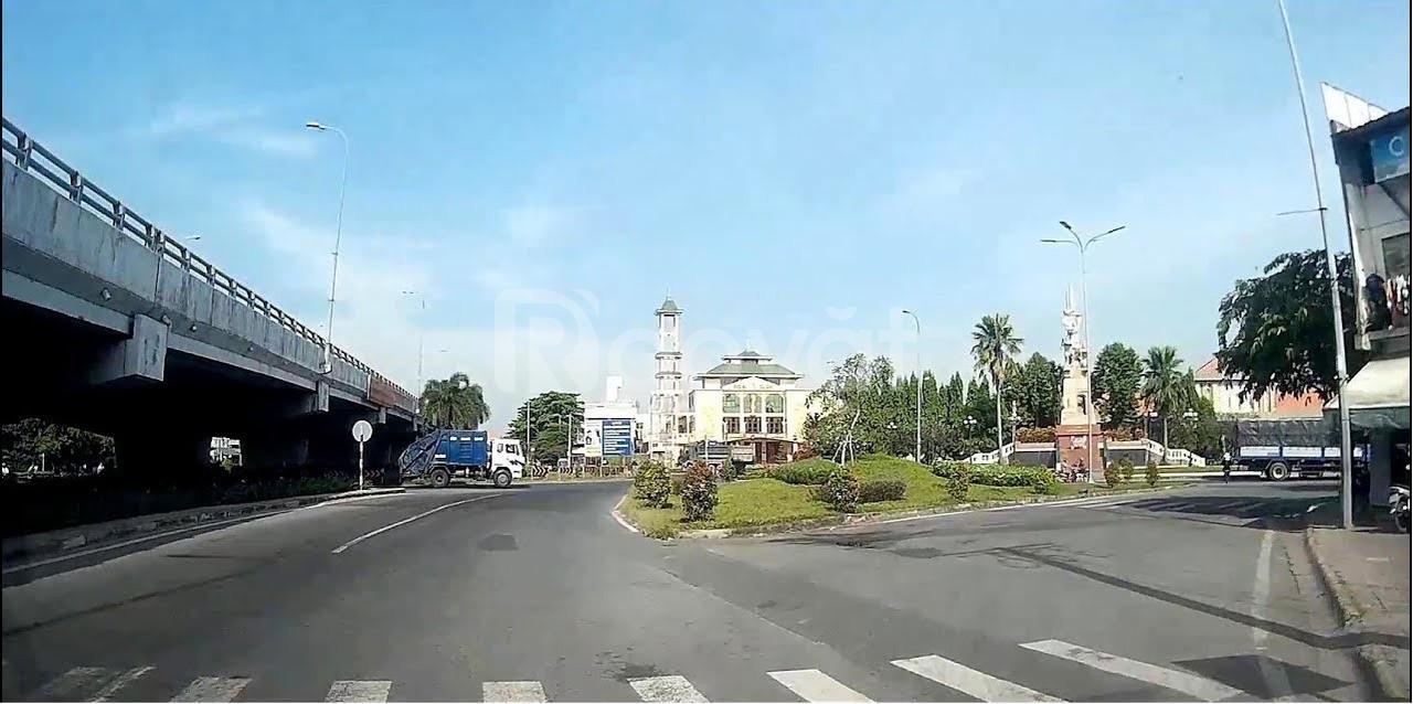 Mặt tiền tỉnh lộ 8 thị trấn Củ Chi, chỉ còn 1 miếng đất trống