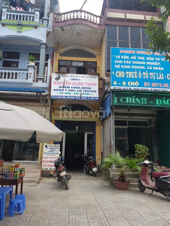 Cần bán gấp nhà tại đường Hùng Vương - Việt Trì