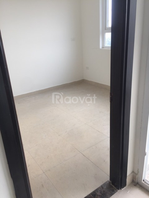 Chính chủ bán căn số 3 chung cư 60 Hoàng Quốc Việt giá 30tr/m2