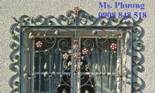 Khung bảo vệ cửa sổ sắt uốn cổ điển