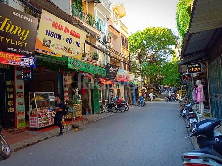 Bán nhà cho thuê mặt phố Hoa Bằng 61m2 giá rẻ không có căn thứ 2