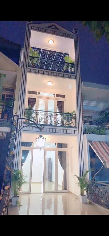 Bán gấp nhà mặt tiền số 878 Nguyễn Kiệm, P3, Gò Vấp