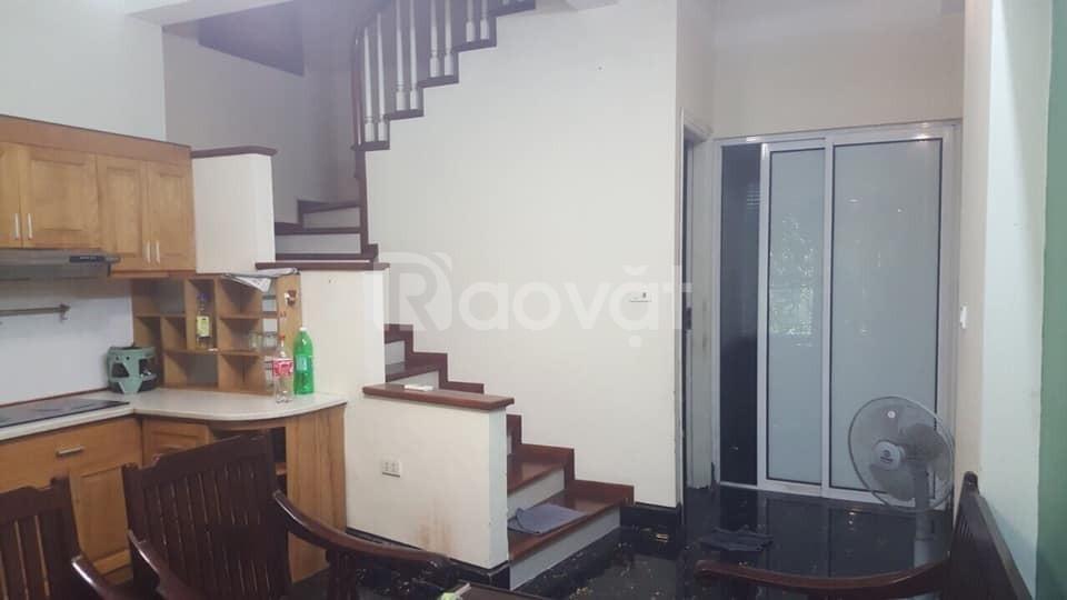 Cho thuê nhà riêng Bồ Đề 40m2, 4 tầng đẹp giá 9tr/tháng