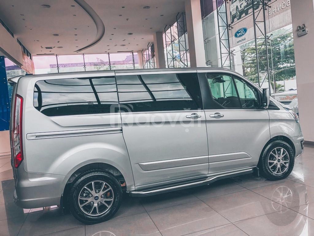 Ford Tourneo giao ngay
