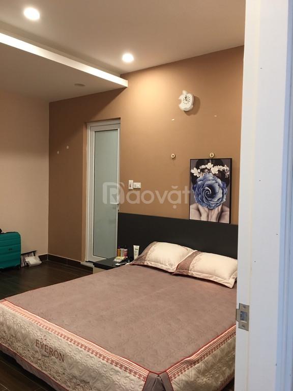 Chuyển nhà cần bán lại căn hộ 2 ngủ 234 Hoàng Quốc Việt giá 2,1 tỷ